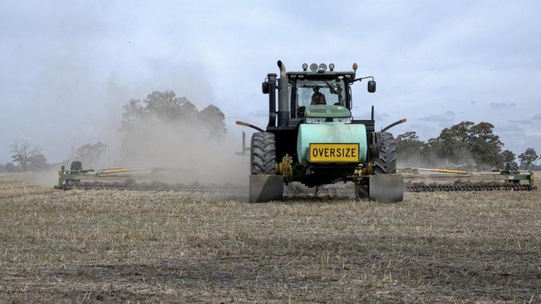 Jak zabezpieczyć maszyny rolnicze?