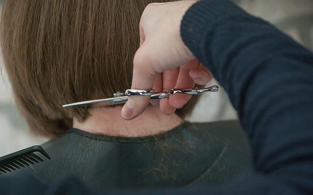 Na co powinniśmy zwrócić uwagę w poszukiwaniu salonu fryzjerskiego?